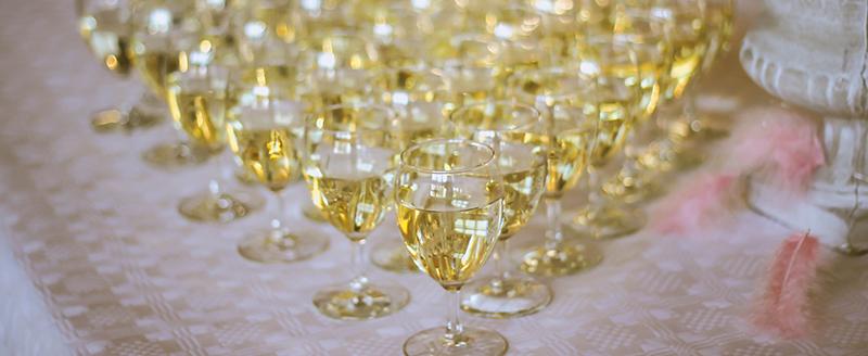 coupes de champagnes mariage table