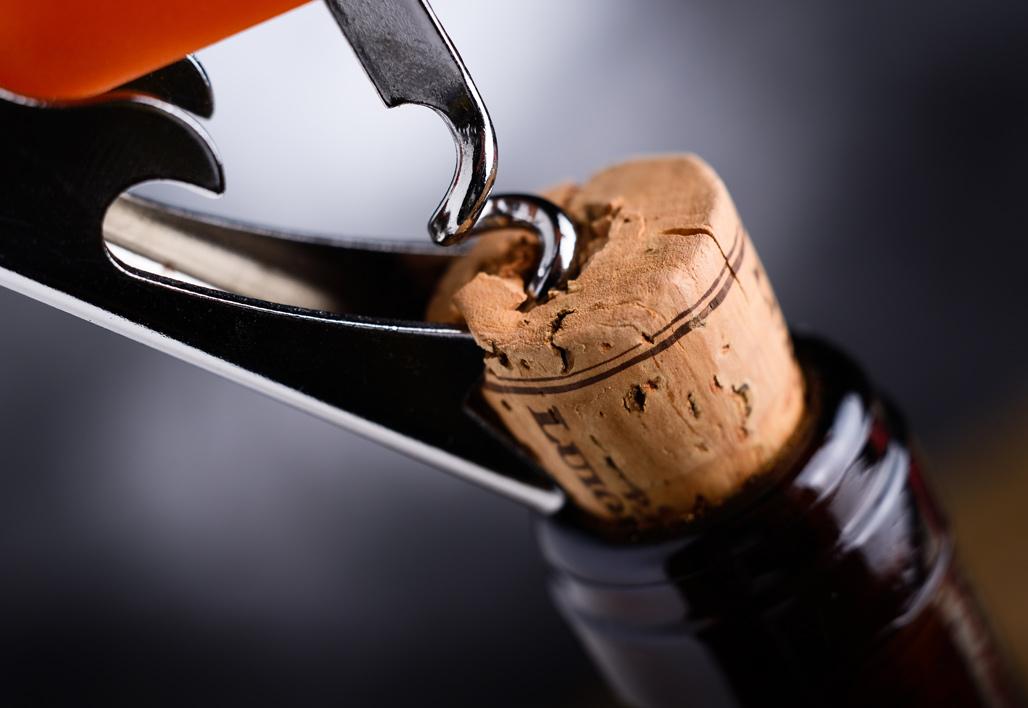 conserver er recycler une bouteille de vin ouverte